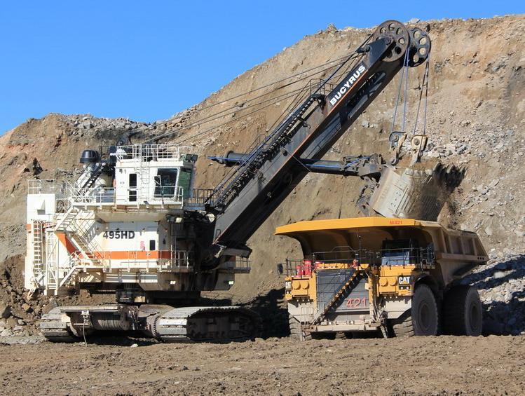 macchine speciali allestimento acciaieria altofornoed affini Camion-de-400-tonnes-en-chargement